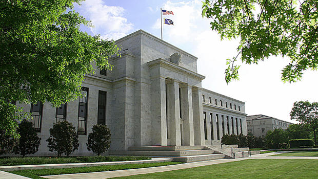 Federal-Reserve-building-in-Washington_620x350